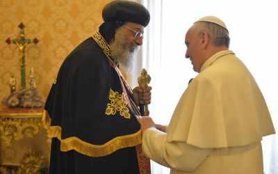 Francesco: prego per Tawadros II e per i fratelli copti